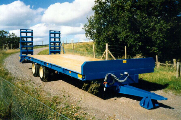 Low loader NL2012 - Wood deck on 90mm axles